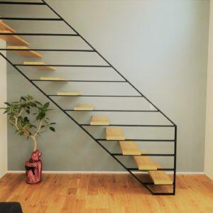 新築リビング階段